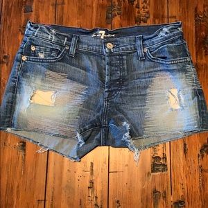 7 for all Mankind distressed shorts EUC